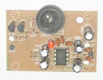 答:你好: 1、喇叭连接在TDA2004双声道的输出端,是不能正常发声的,发出的只是(放大了的)左右声道的信号差。 2、把喇叭连接在TDA2004双声道的输出端,应该使用BTL功放电路。而BTL功放电路的输入端与立体声输入不一样的,需要重新设计。 ...